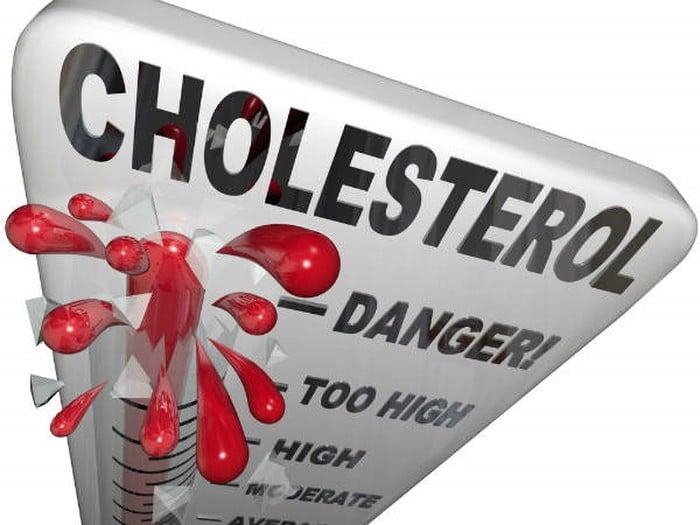 Uống nước dừa pha mật giúp giảm cholesterol